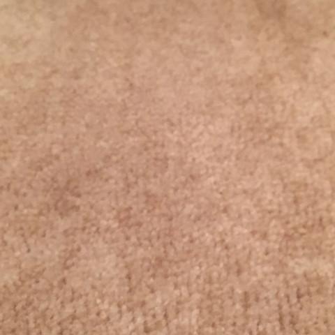 Und hier eine Stelle an dem der Teppich noch normal ist  - (Haushalt, putzen, reinigen)