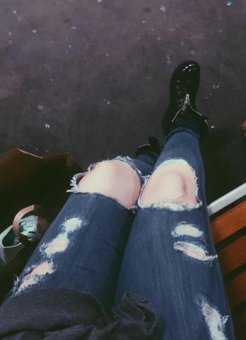 Löcher an den Knien - (Fashion, destroyed jeans)