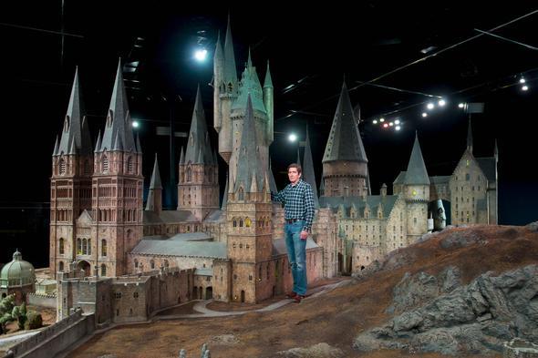 detailgetreues und großes Modell von Hogwarts - (Modellbau, Material)