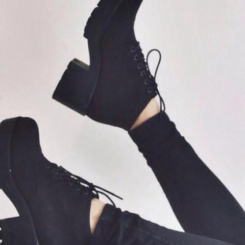 danke :-)) - (Schuhe, schwarz, Tumblr)