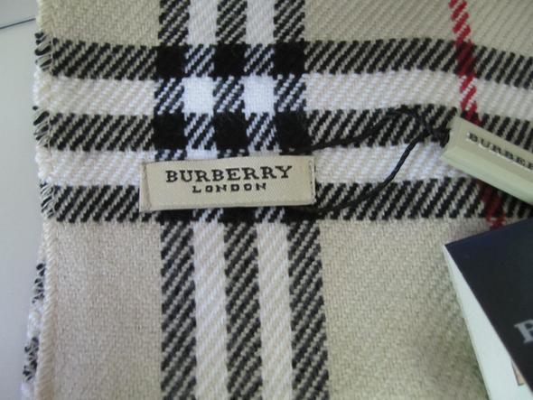 dieser burberry schal original oder doch f lschung f lschungen mode marke. Black Bedroom Furniture Sets. Home Design Ideas