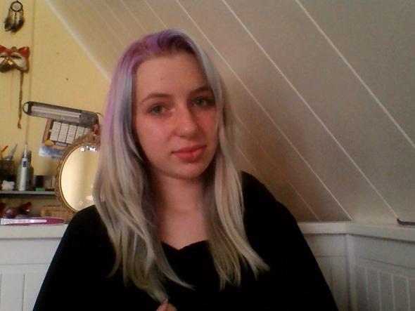 Bild 1 - (Haare, Haarfarbe, Tönung)