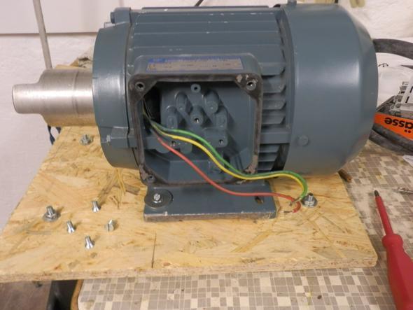 Drehstrommotor ohne Klemmbrett? (Strom, Motor, elektro)