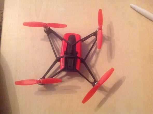 Das ist die Drohne - (Kamera, kaputt, fliegen)