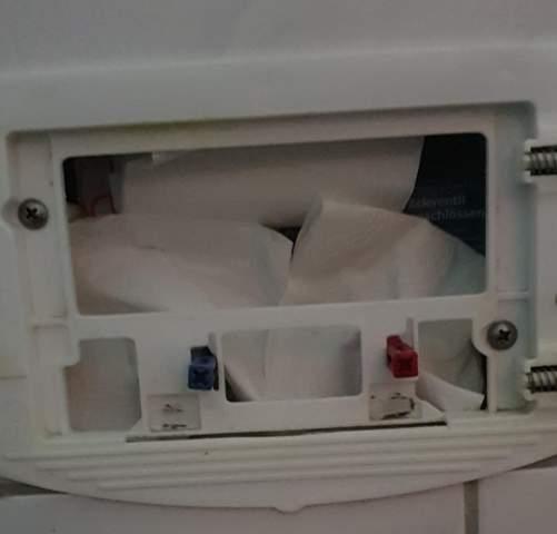 - (Toilette, Sanitär, gestank in wohnung)