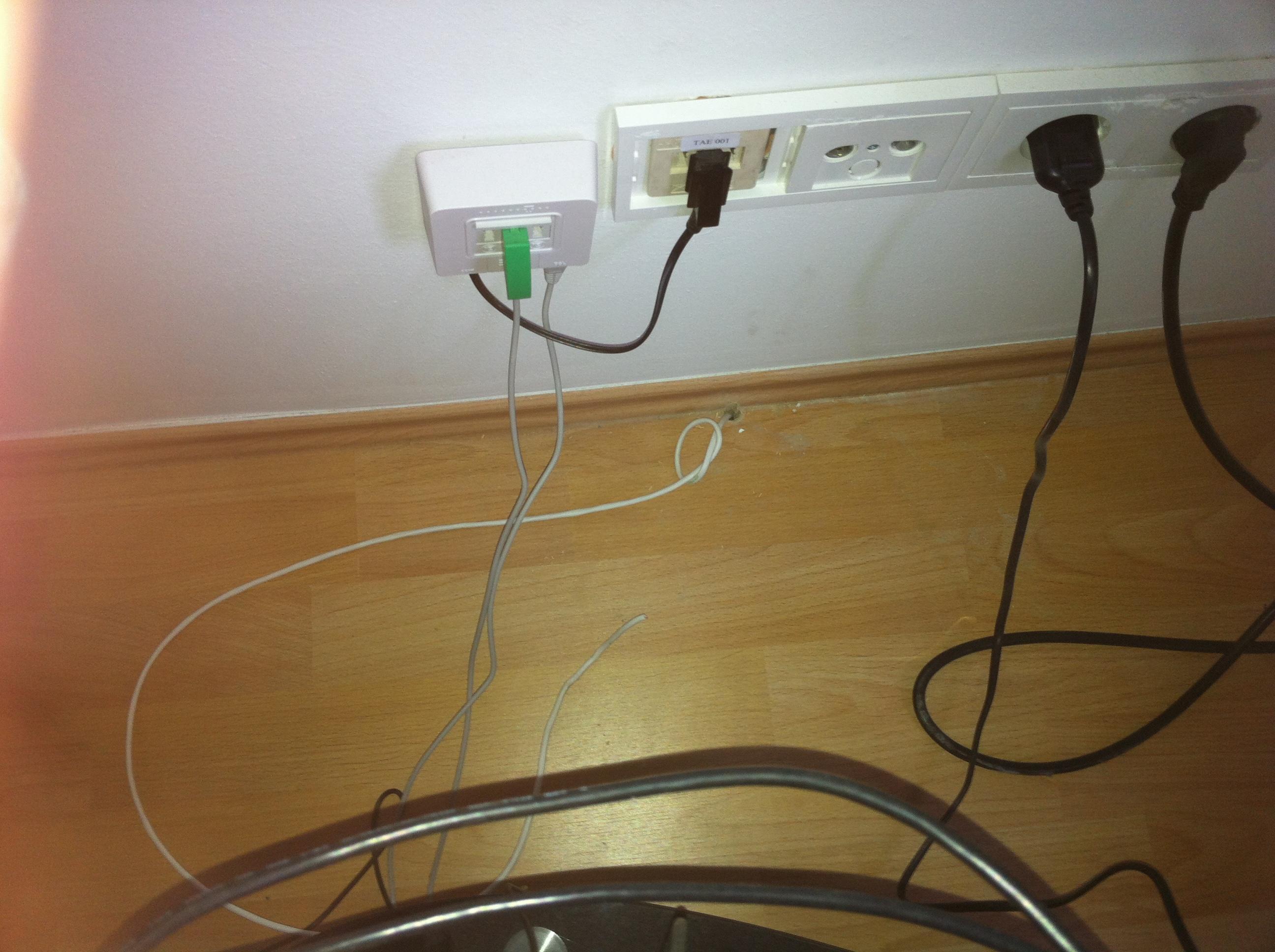 dsl telefonkabel richtig verlegt internet technik kabel. Black Bedroom Furniture Sets. Home Design Ideas