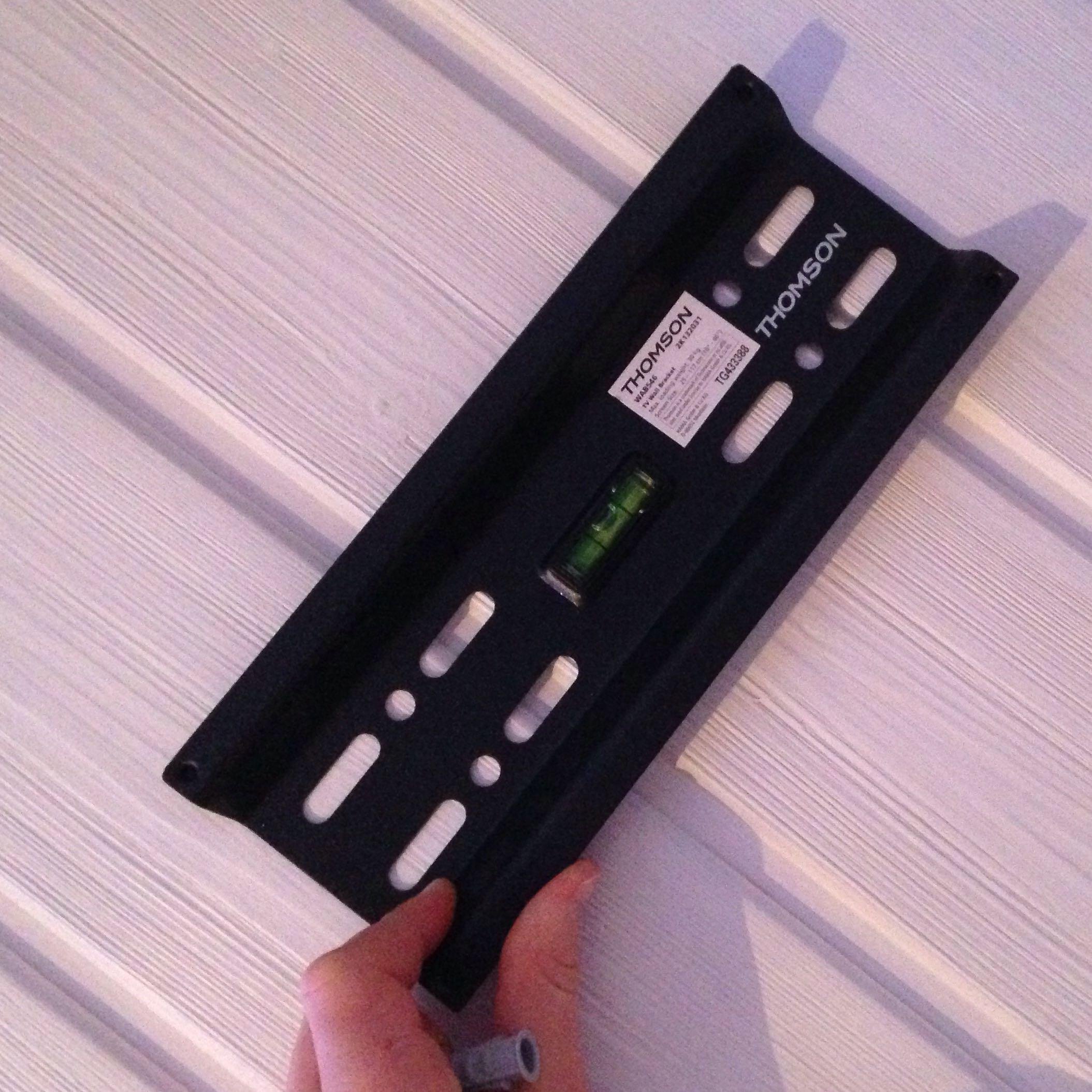 d bel benutzen bei holzplatte schrauben wandhalterung duebel. Black Bedroom Furniture Sets. Home Design Ideas