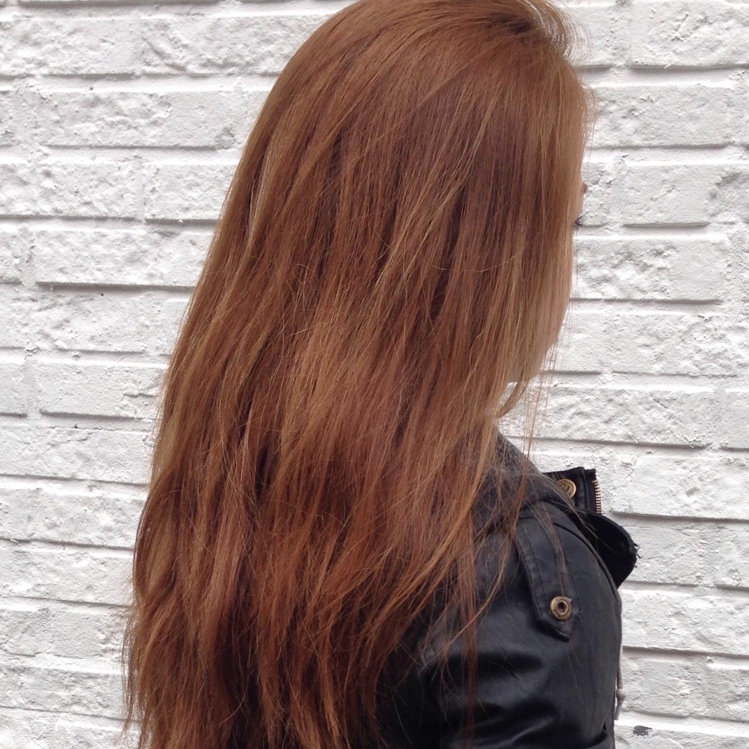 Haare tonen rotstich
