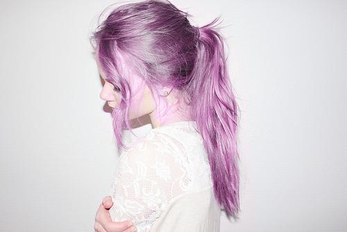 Braune haare violett tonen