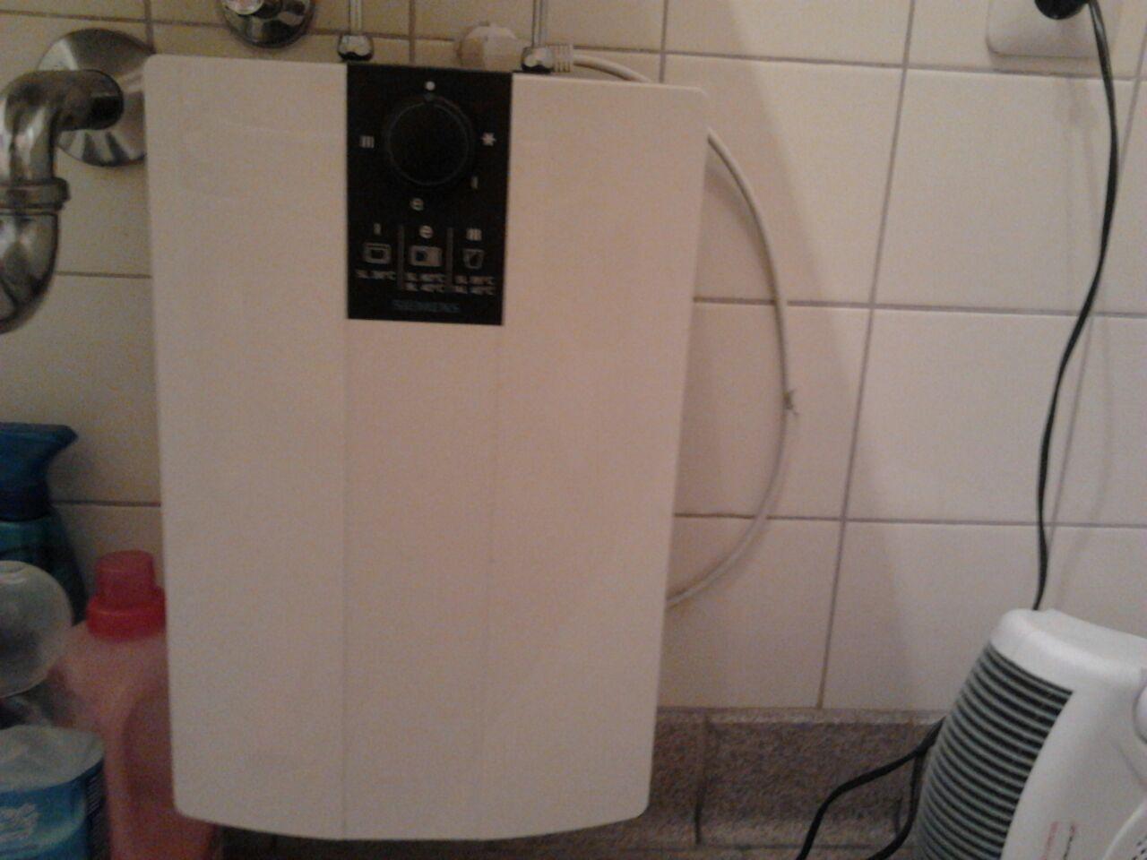 durchlauferhitzer ersetzen wasser elektrik. Black Bedroom Furniture Sets. Home Design Ideas