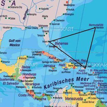 Bermudadreieck 2 - (Urlaub, Reise, Flugzeug)