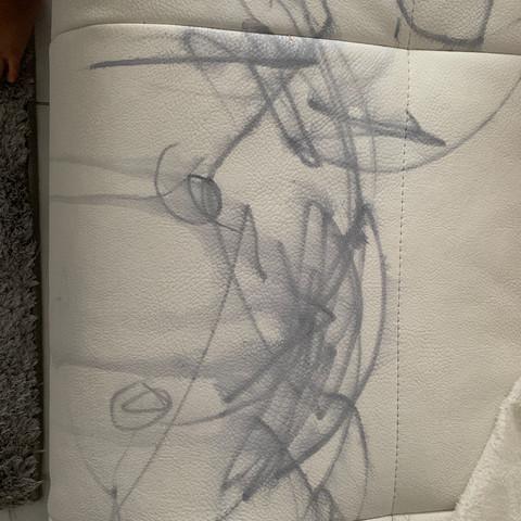 Edding aus Kunstleder Couch wegbekommen?