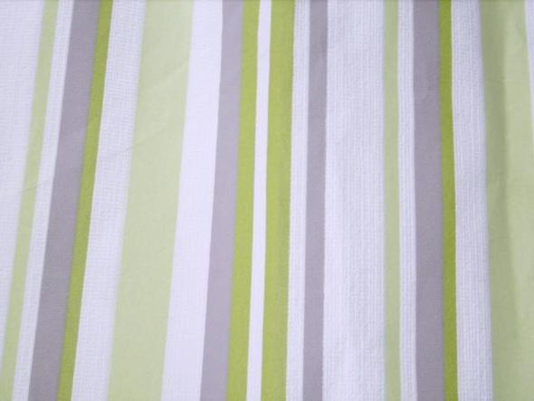 ein oder zwei w nde gestreigt tapezieren tapete. Black Bedroom Furniture Sets. Home Design Ideas