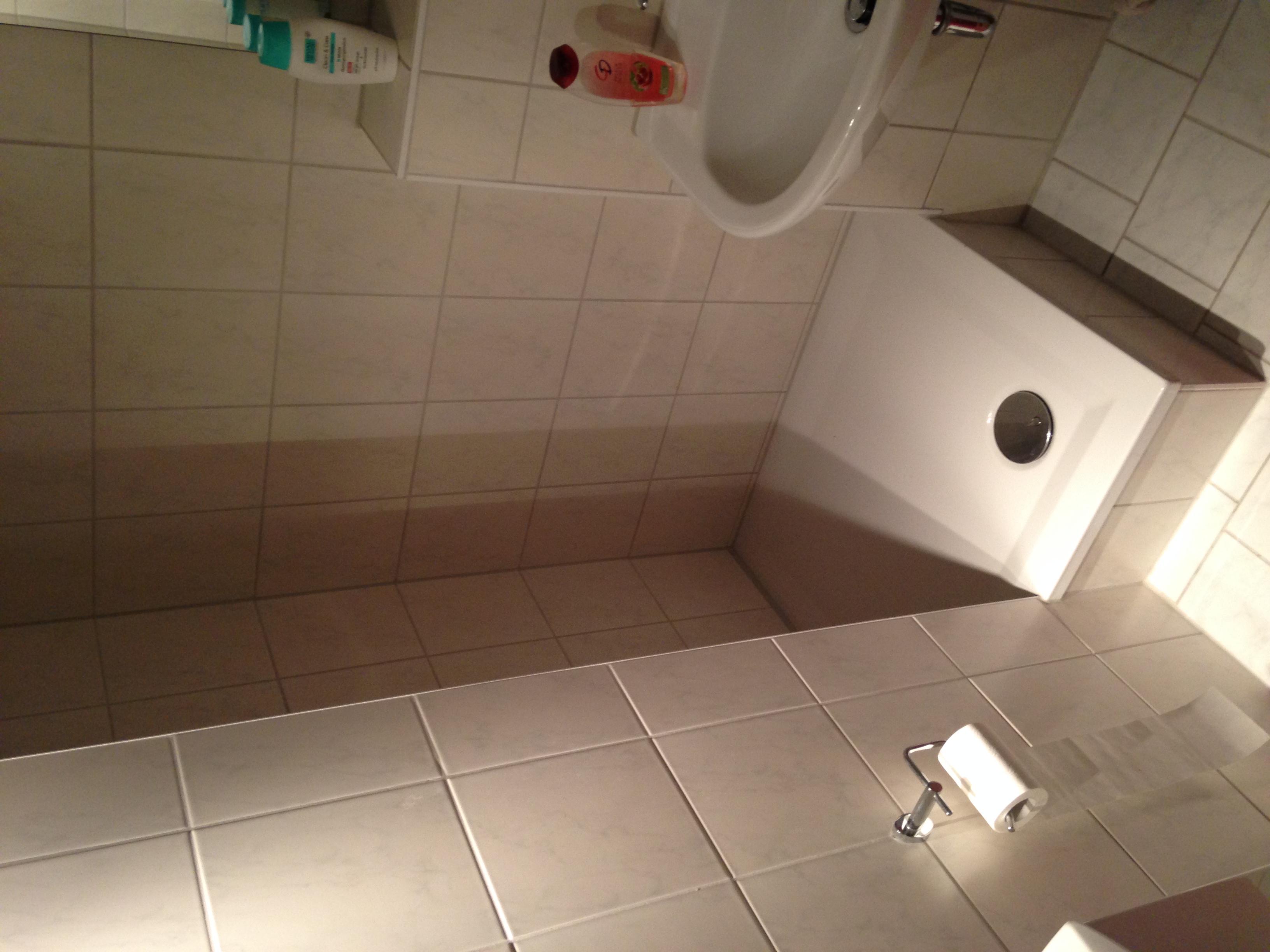 einbau einer fehlenden duschwand sache des vermieters mietrecht vermieter mietwohnung - Mietwohnung Dusche Ohne Kabine