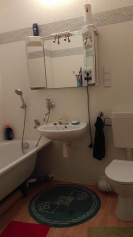 So sieht meine DDR Zeit Badezimmer aus - (Wohnung, Haushalt, Badezimmer)