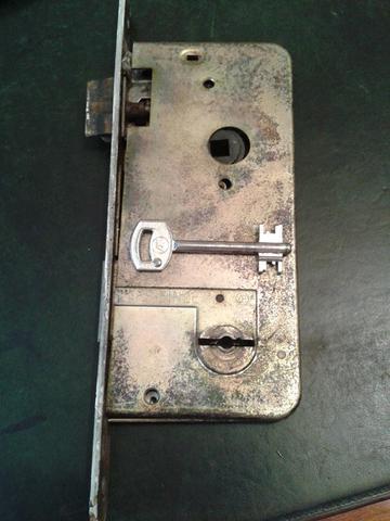 Einsteckschloss - (Schlüssel, Schloss, quer)