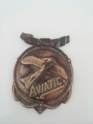 Objekt 2 - (Flugzeug, unbekannt, Abzeichen)