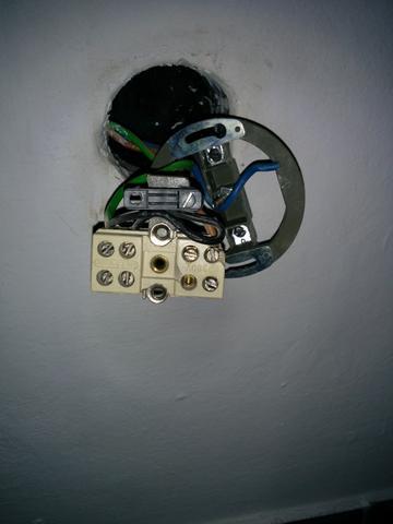 elektroherd mit 6 dr hte an die steckdose mit 3. Black Bedroom Furniture Sets. Home Design Ideas