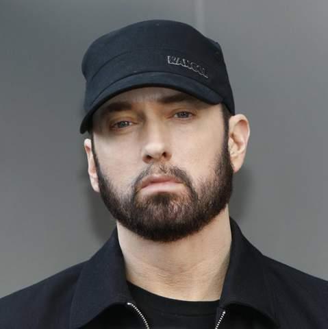 Eminem ist 48 Jahre alt denkt ihr das er trotzdem?