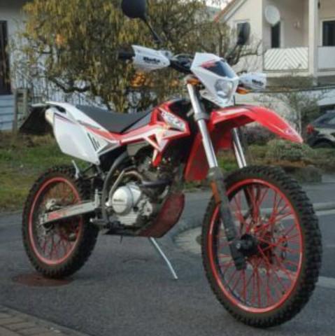Typ 2 (gleichzeitig beta) - (Motorrad, Reparatur, Werkstatt)