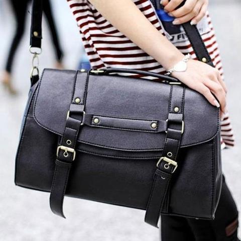 1. Schwarze tasche - (Schule, Frauen, Mode)