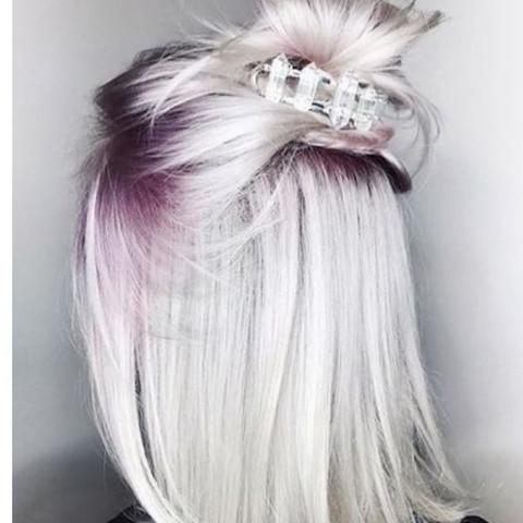 Weiß, evtl. Mit lila Ansatz - (Haare, Mode, Style)