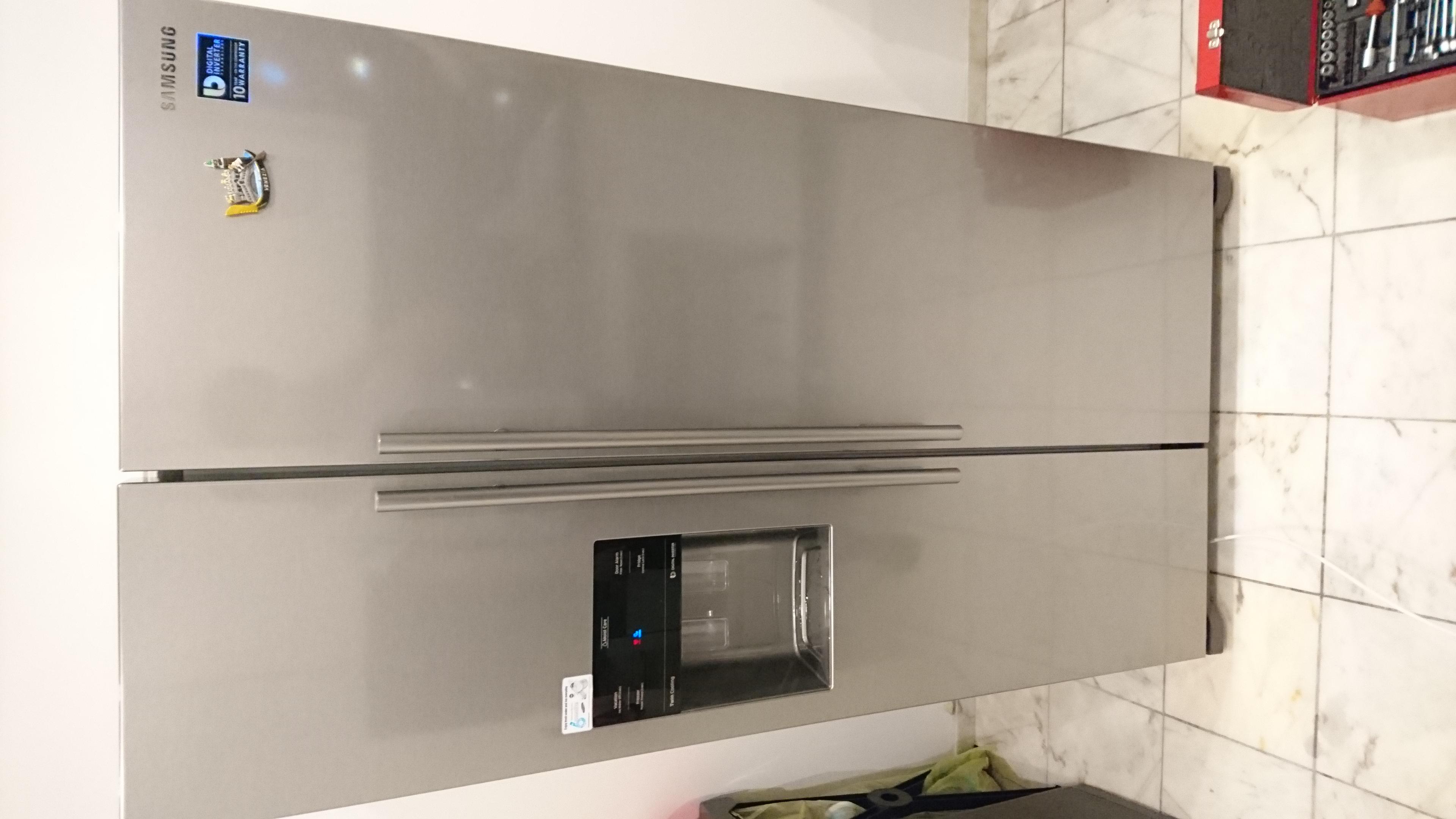 Bosch Kühlschrank Vereist Hinten : Kühlschrank läuft aus wasser amerikanischer kühlschrank im