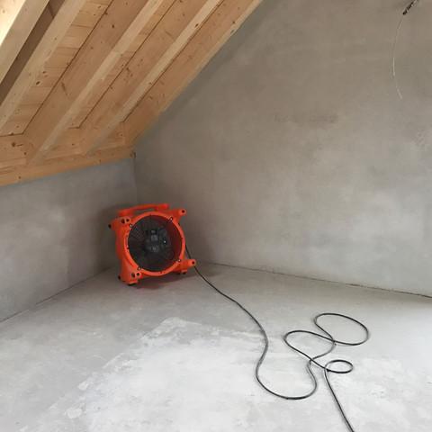 estrich drinnen wie lang bis zum einzug bau fliesen neubau. Black Bedroom Furniture Sets. Home Design Ideas
