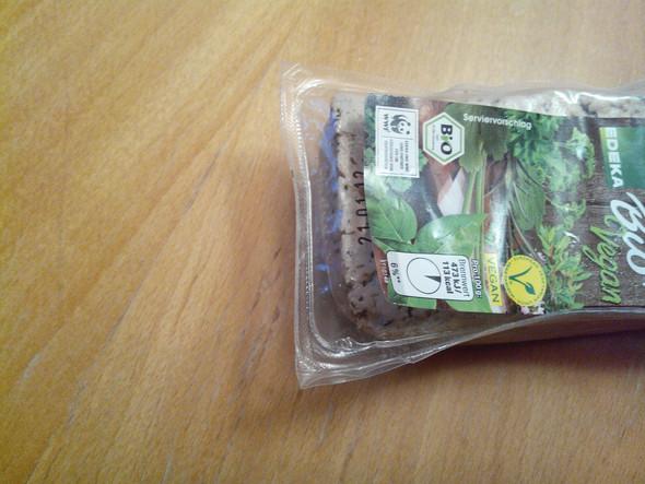 Etikett überdeckt Datum - (Mindesthaltbarkeitsdatum, tofu)