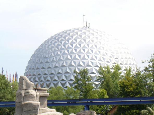 Euro-Sat - (Musik, Freizeitpark, Europapark)