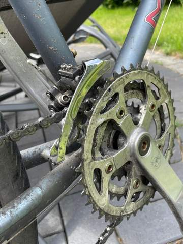 Fahrradkette berührt dieses Teil?