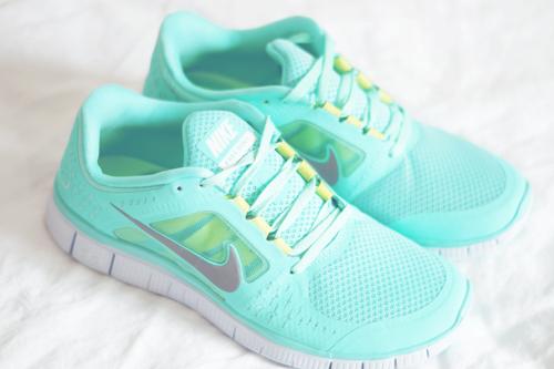 Nike Mintgrün