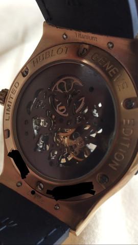 Hinten - (Uhr, hublot)