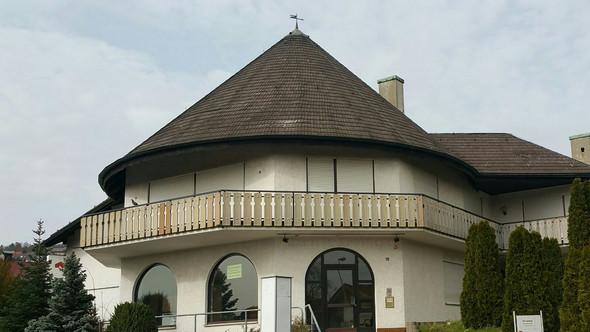 fenster im runddach renovierung dach ausbau. Black Bedroom Furniture Sets. Home Design Ideas