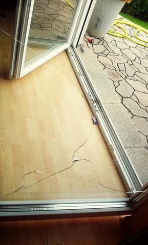 Gesamtriss in der Terrassentür - (Versicherung, Fenster, Hausratversicherung)
