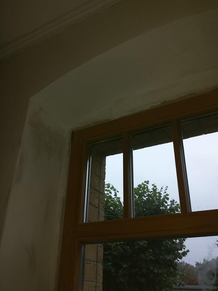 Fensterlaibung mit rundbogen spachteln renovierung - Wand gerade spachteln ...