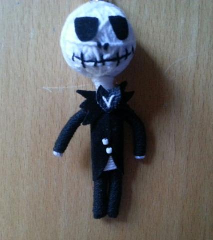 Hier eine der Figuren  - (basteln, Figur, Knoten)