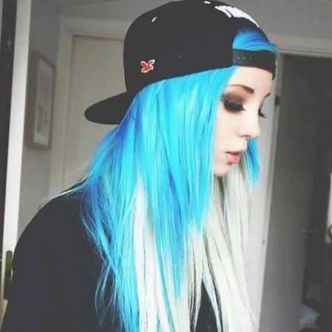 Haare Blau