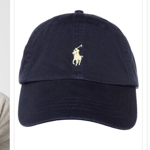 Findet ihr das jeder Kappen tragen kann? (Mode, Kleidung, Style)