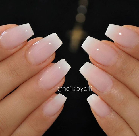 Findet Ihr Rosa Nagel Oder French Nails Schoner Frauen Hand Finger