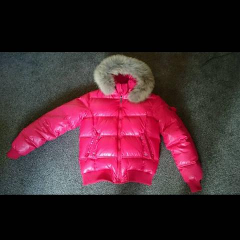 Die Jacke die ich meine zu auffällig oder sieht die gut aus ? Ach bin männlich - (Sport, Mode, Kleidung)