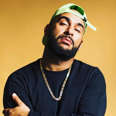 Findet ihr veysel ( rapper) hübsch?