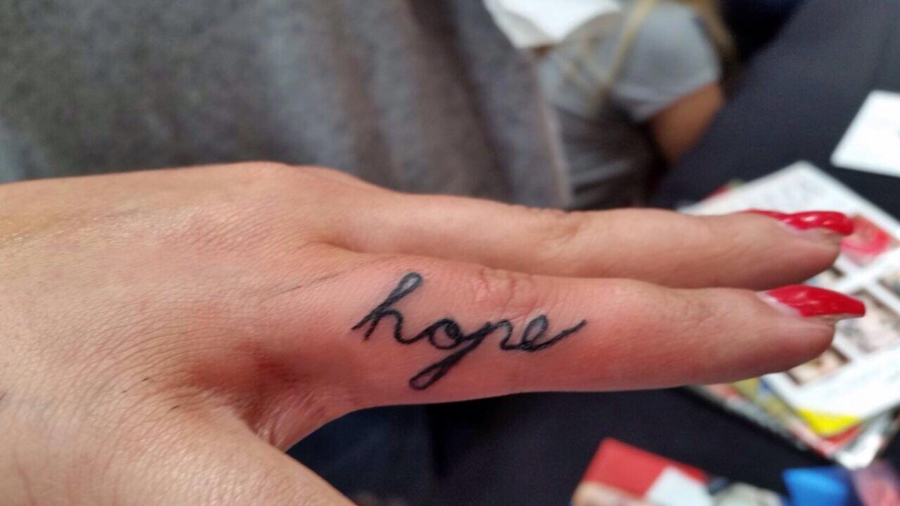 Finger Tattoo Tipps Pflege