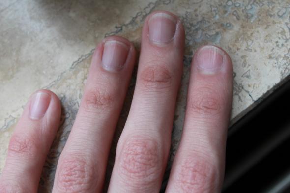 Mann lange fingernägel Lange lackierte