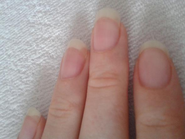 Bild No. 1 - (Kosmetik, Hand, Fingernägel)