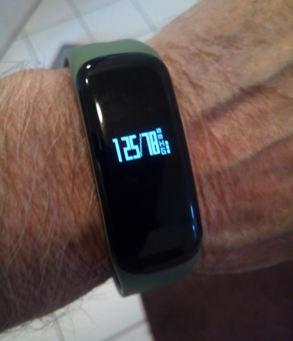 Fitness Armband mit Blutdruckmessung, wie funktioniert das..