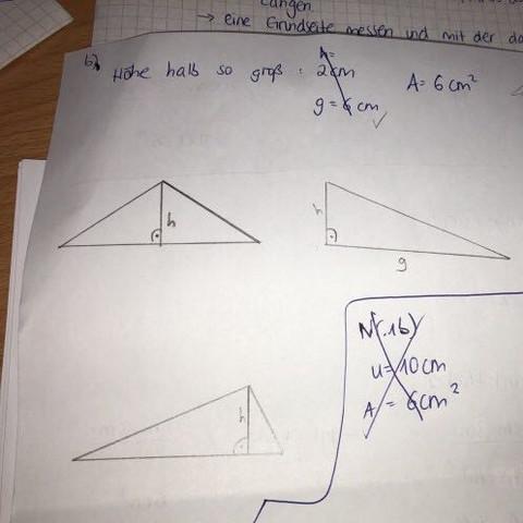 Lösung - (Schule, Mathe, Dreieck)
