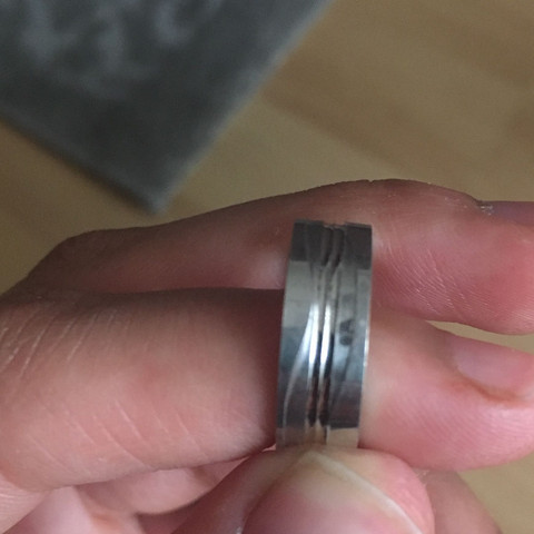 Fleck am Ring wie bekomme ich den Weg (Material 925 Silber)?