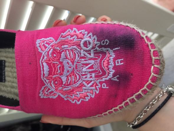 Flecken In Stoffschuhen Entfernen Wie Mode Kleidung Schuhe