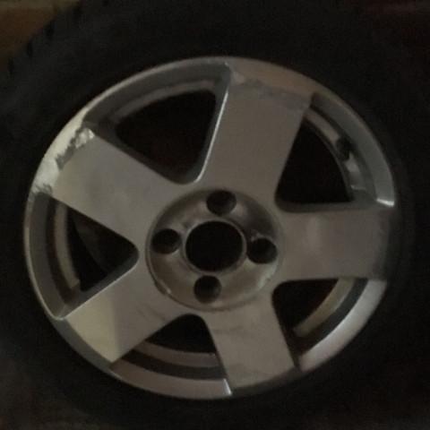 Das ist der alte Reifen mit Felge  - (Zoll, Werkstatt, Reifen)